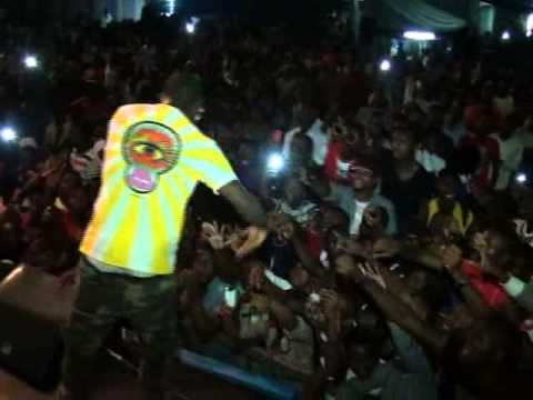 VIDEO: Davido Performs Live At First Bank Youth Excel Day